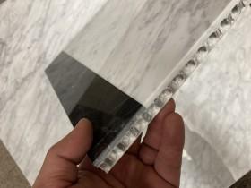 天然石アルミハニカム複合板