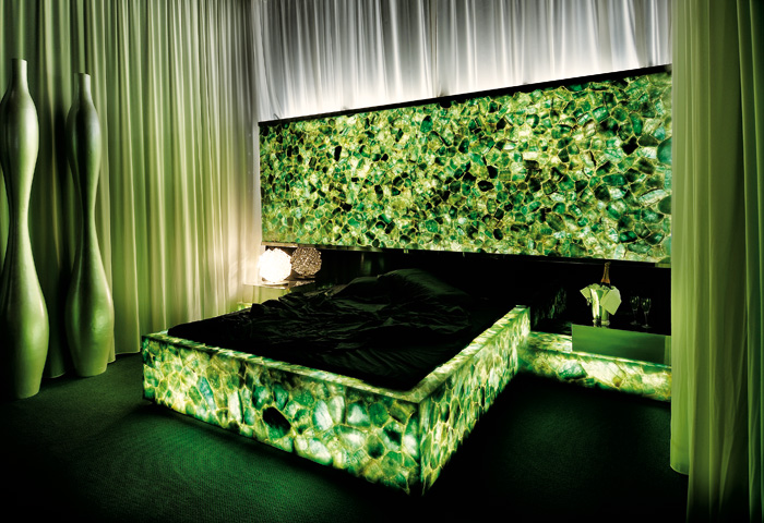 Emerald Fluorite 翡翠