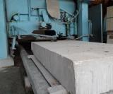 大理石複合板を工場加工